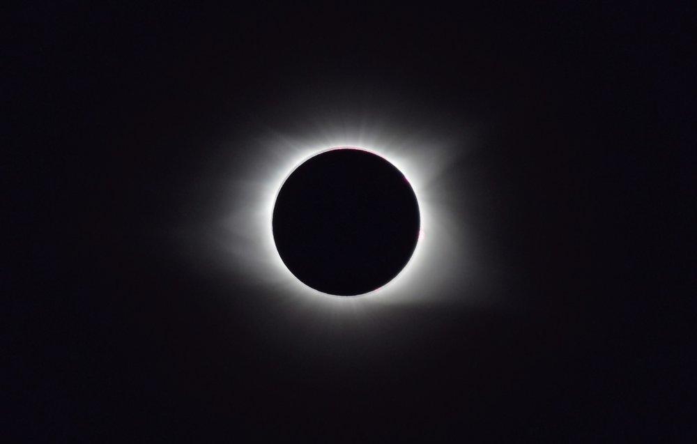 solar-eclipse-2017-2670350_1920.jpg