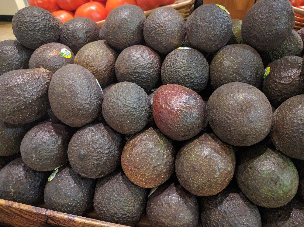 avocados-1637828_1920.jpg