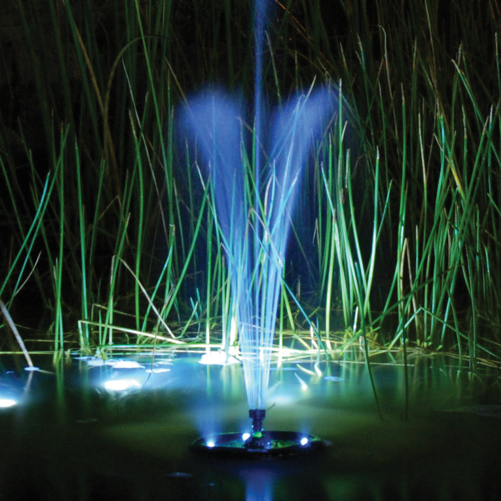 TotalPond_MF750UV_CompleteFloatingFountain_in-use2_1000x1000_RGB_300dpi.jpg