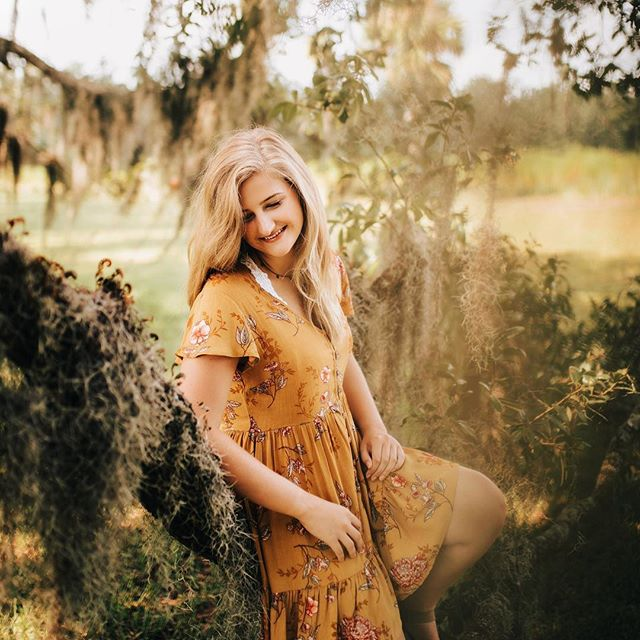 S y d n e y  F o w l e r What a gorgeous morning we had in downtown Savannah and Wormsloe Plantation on Wednesday! Sydney, you are so lovely and so fun to hang with! Thank you for giving me the opportunity to capture your senior photos! LOVE!!! #ashlyncatheyphotography #statesborohighschool