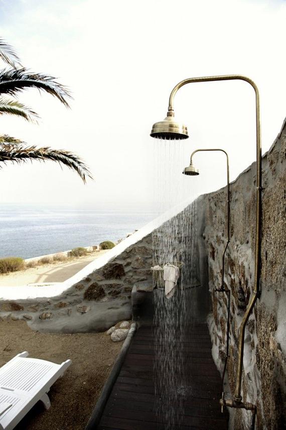 10-and-co-bathroom-love-outdoor-shower-flodeau-san-giorgio-hotel-in-mykonos.jpg