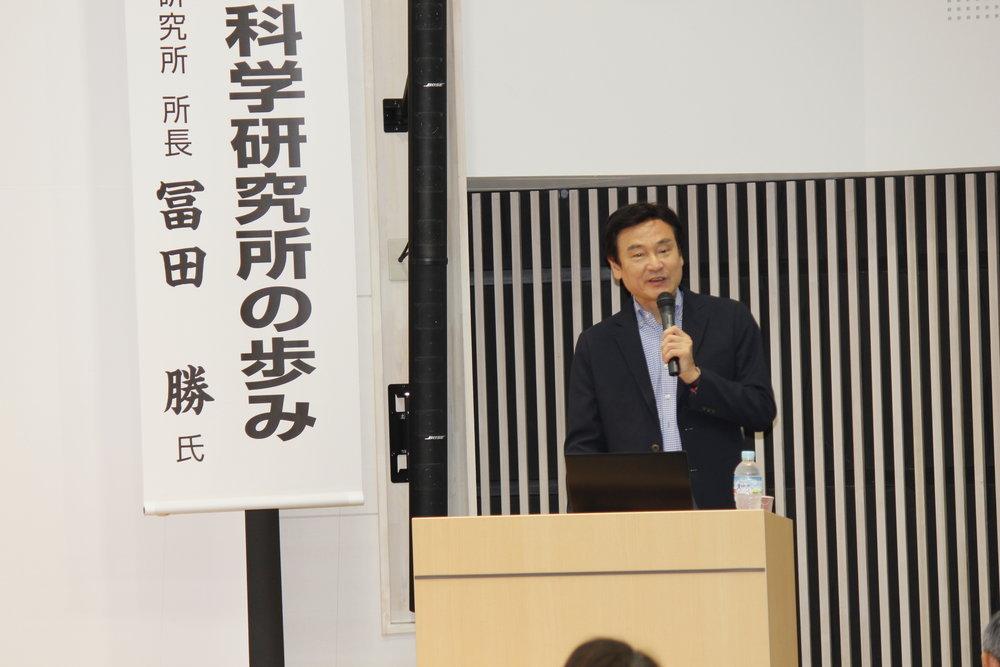 慶應義塾大学先端生命科学研究所 冨田勝所長にも講演いただきました