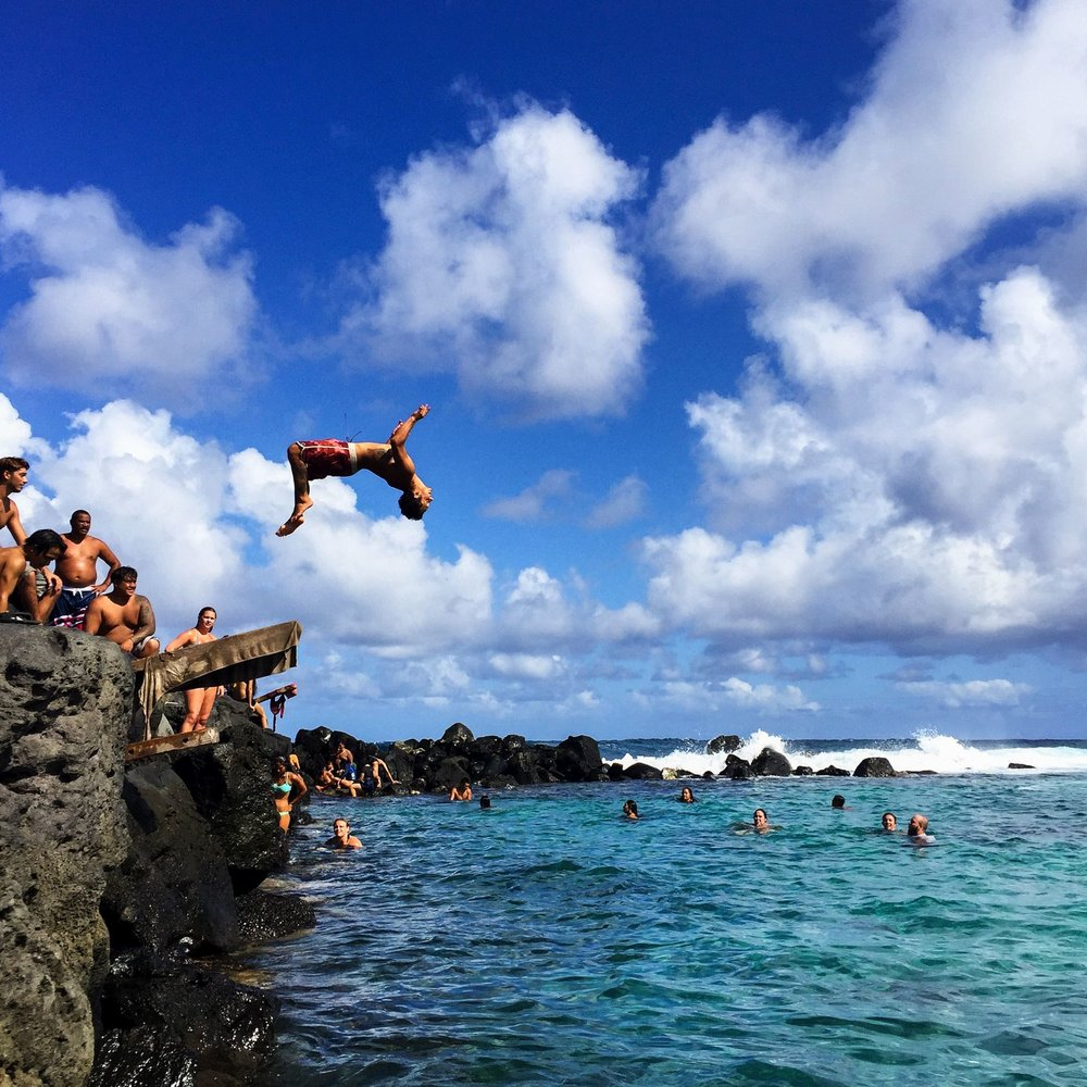 Steen-Jones-Artist-Travel-Hawaii-Stairway-01.jpg