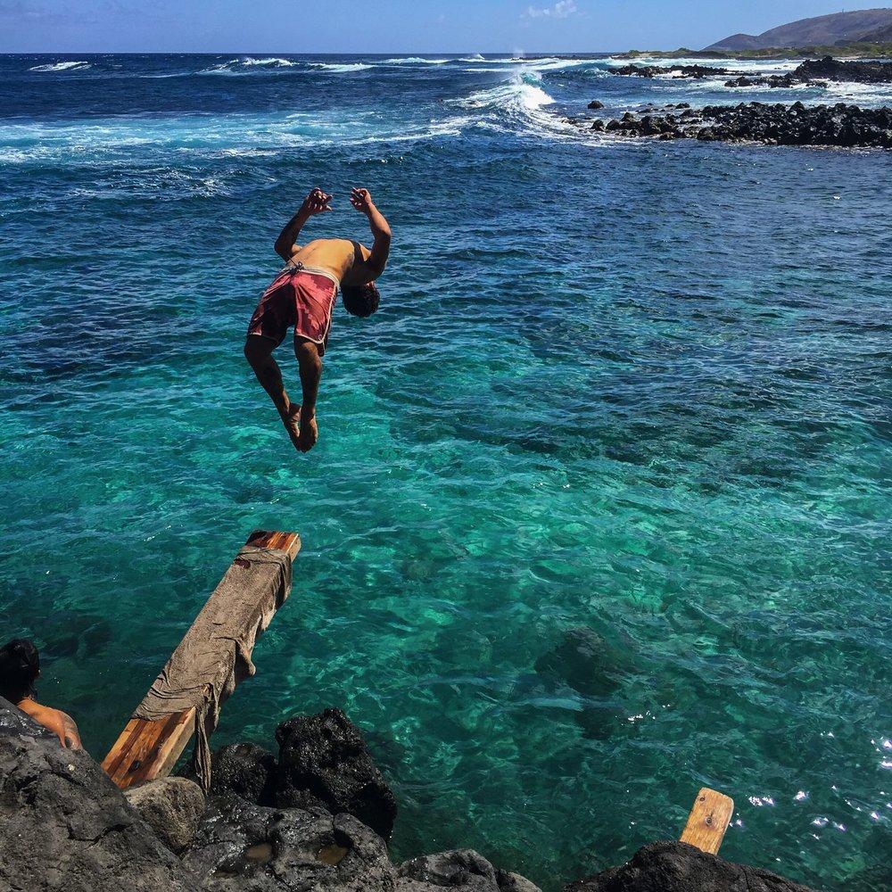 Steen-Jones-Artist-Travel-Hawaii-Stairway-00.jpg