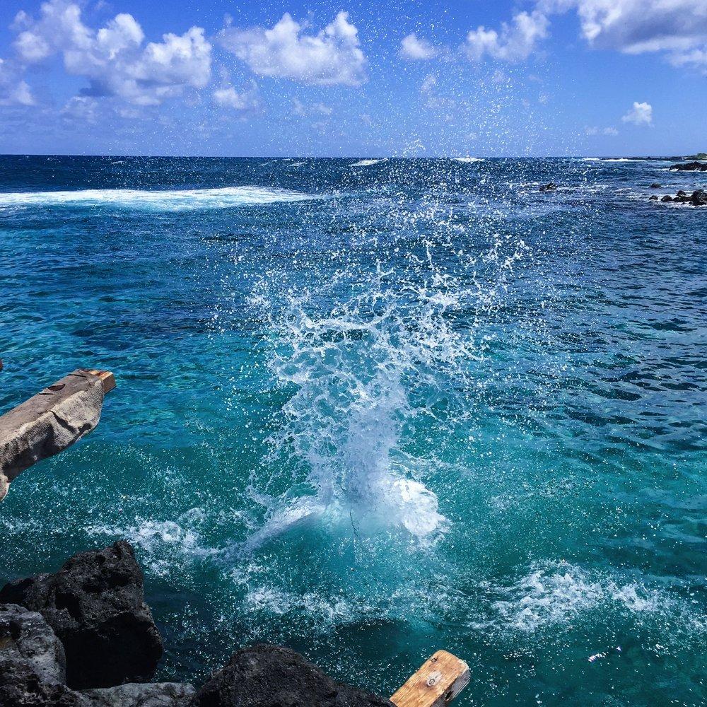 Steen-Jones-Artist-Travel-Hawaii-Stairway-02.jpg
