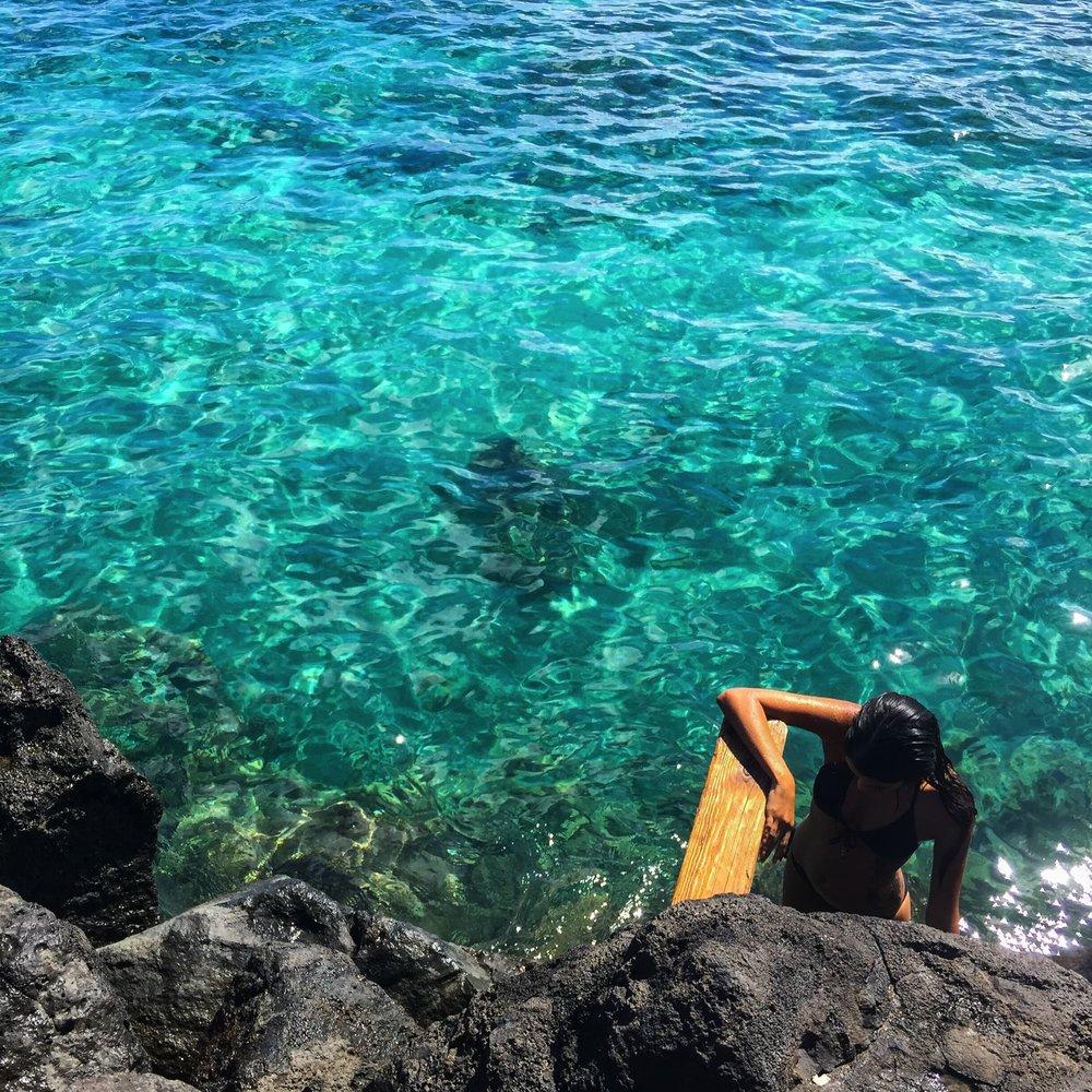 Steen-Jones-Artist-Travel-Hawaii-Stairway-03.jpg