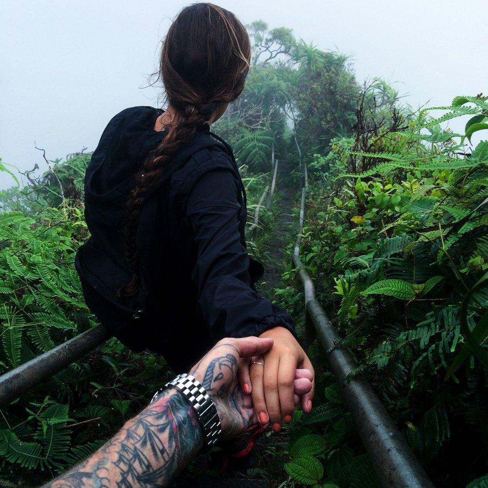 Steen-Jones-Artist-Travel-Hawaii-Stairway-07.jpg