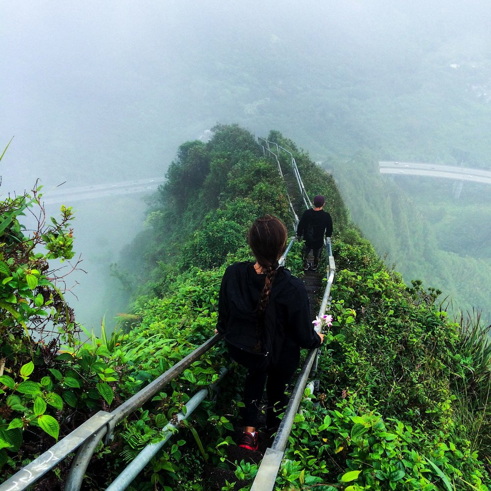 Steen-Jones-Artist-Travel-Hawaii-Stairway-12.jpg