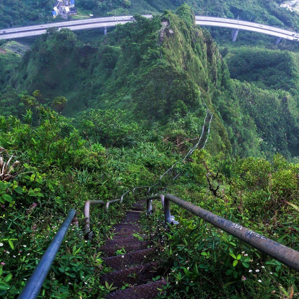 Steen-Jones-Artist-Travel-Hawaii-Stairway-11.jpg