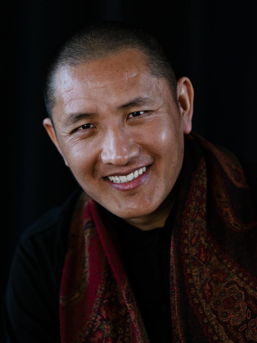 IMGP2398_Tulku-Lobsang-Rinpoche_Farbe©Sven-Cichowicz.jpg