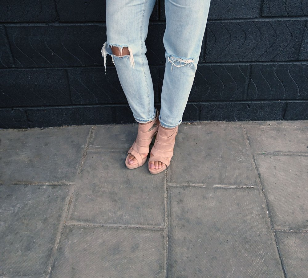 stonewash jeans blush shoes