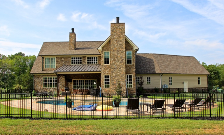 Thunder farms rear view.jpg