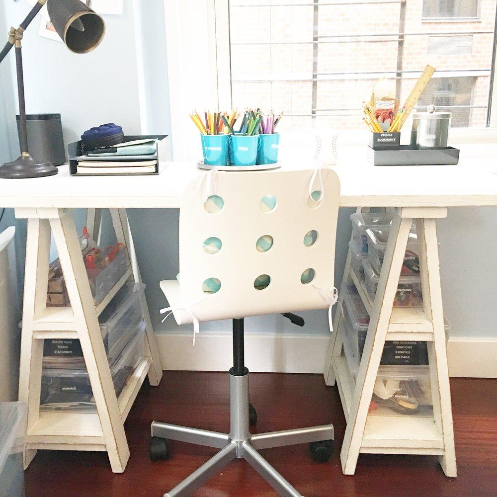 Shelfie_Kids_Teens_Organized Desk