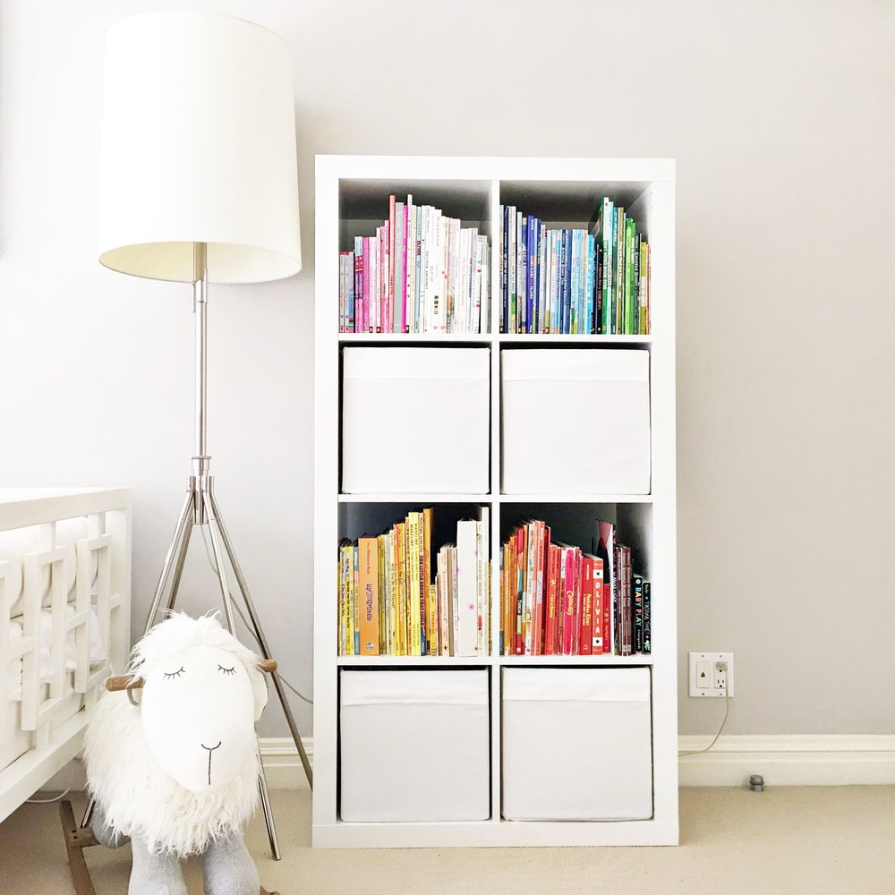 Shelfie_Kids_Organized Bookshelf_Rainbow Bookshelf_Organized Kids  Bedroom