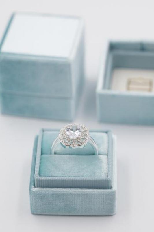 Something Blue Velvet Ring Box | Image via The Mrs. Box