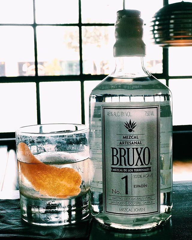 For the love of Mezcal. 🐍 Mezcal Mondays done right featuring BRUXO Mezcal specials, extended HH, Motown and Late Night Happy Hour $11 Mezcal Old Fashioned, 9:30pm - 11:30pm! #mezcal #mezcalmondays #bruxomezcal #happyhour #LNHH #cocktails #booze #fredddysmallsbar