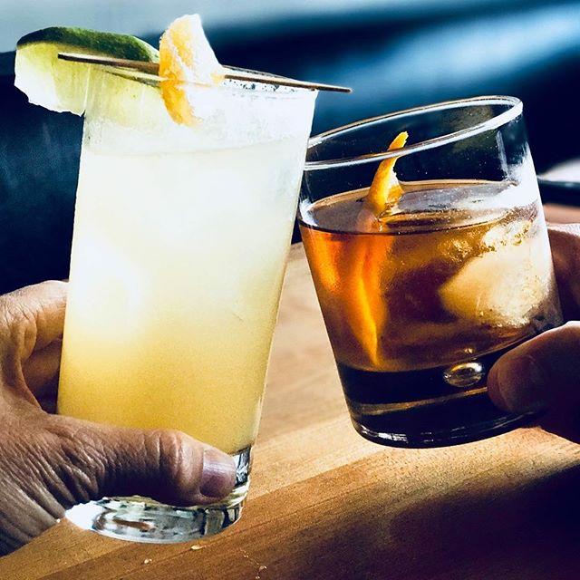 Good whiskey, impossible to resist. 🥃Cheers to #whiskeywednesday!  #rye #whiskey #bourbon #instadrink #bartender #craftcocktails #craftspirits #cocktailporn #cocktailtime #happyhour #imbibe #imbibegram #drinkoftheday #booze #happyhour #freddysmalls