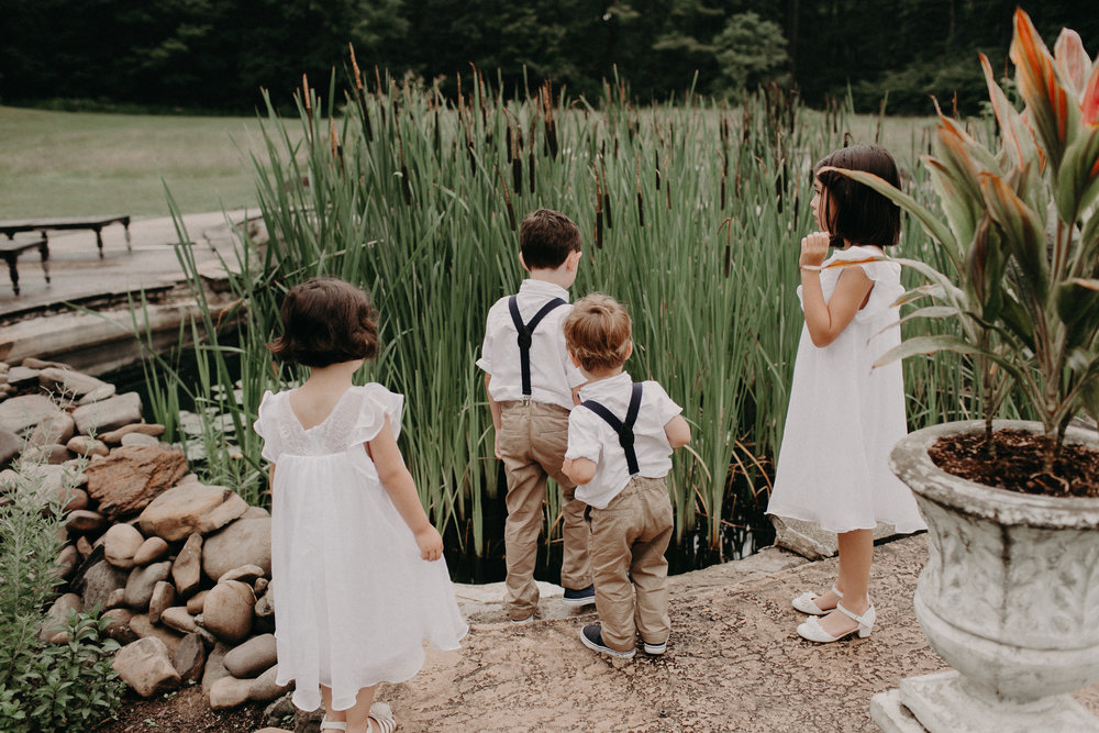 Aaron-Nell-Wedding-571 kids bullrushes.jpg
