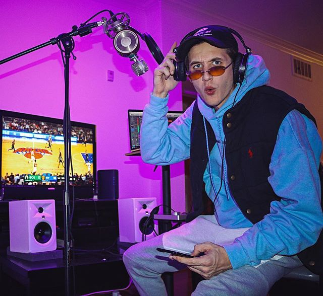 😲🤯 I got more songs to release. Normally I'm humble but lately I been tapped into a higher power n fuckin beats up. Who ready for more music?🎙💽