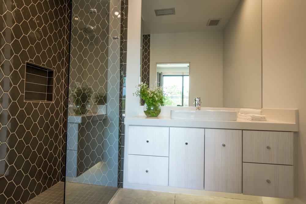 Estate-33-Palm-Springs-Bath-2-1.jpg