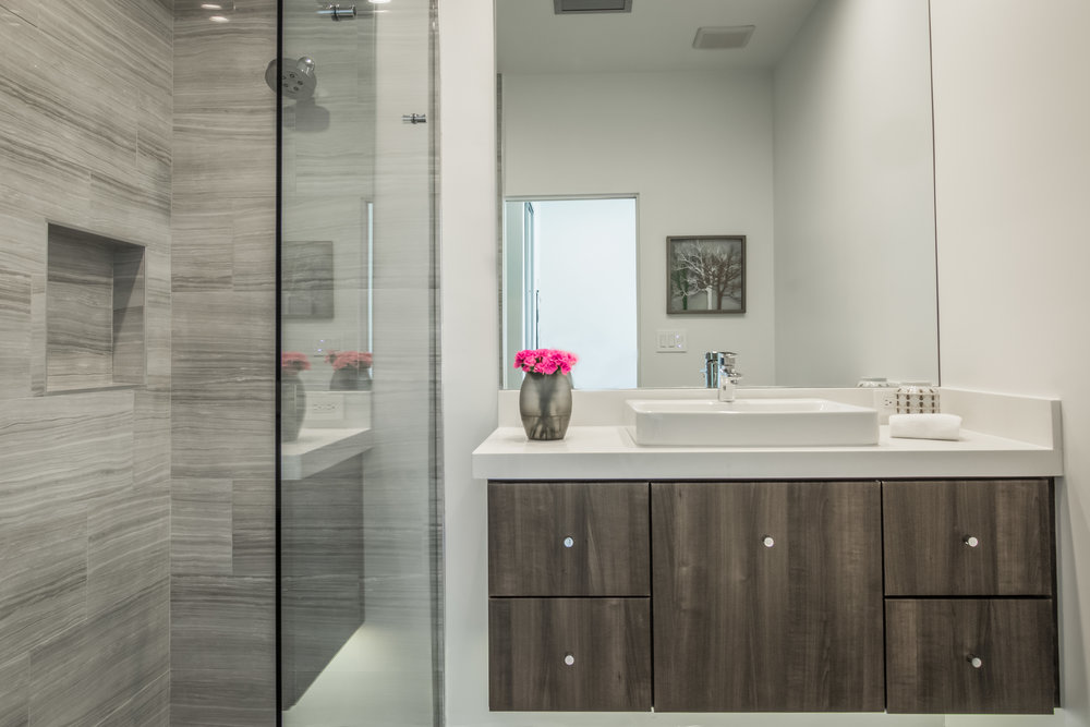 Palm-Springs-Brand-New-Bathroom