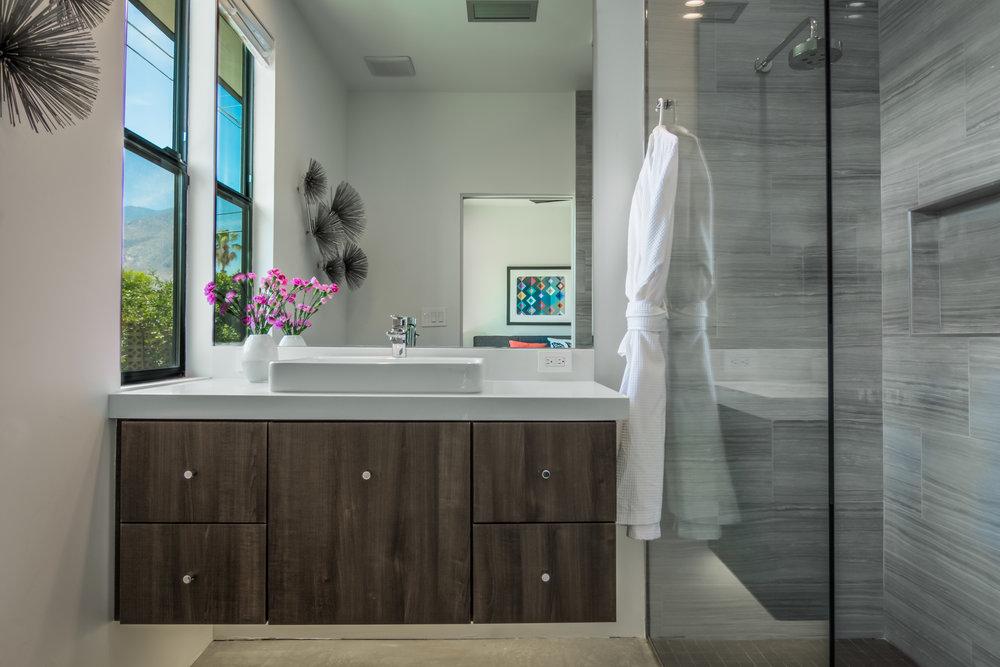 Palm-Springs-Modern-Bathroom