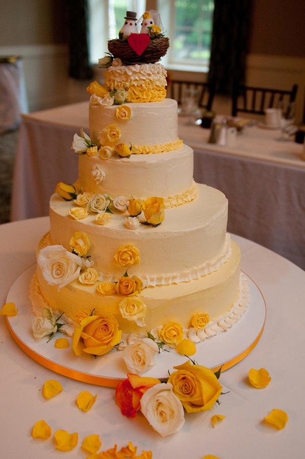 Ben and Gwen's wedding cake