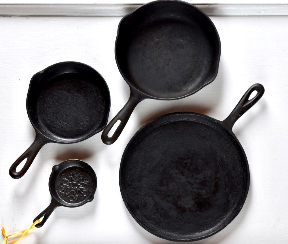 round pans.jpg