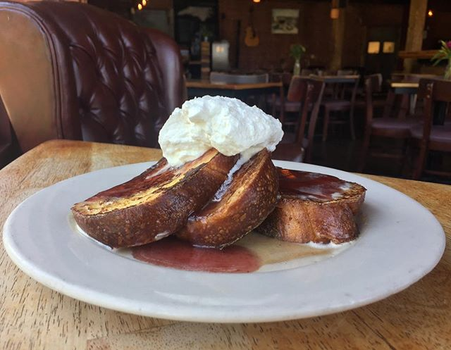 Peanut butter and Jelly for breakfast??? @saxvillagebakehouse brioche French toast topped with peanut butter creme anglaise, grape jam and whipped cream. #theeddypub #brunch #yummm #villagelife