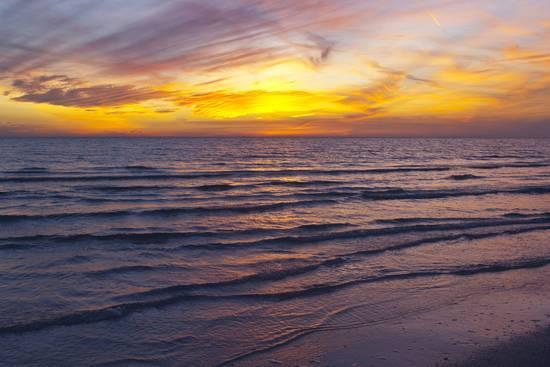 bernard-friel-sunset-on-crescent-beach-siesta-key-sarasota-florida-usa_a-l-10377845-13929613.jpg