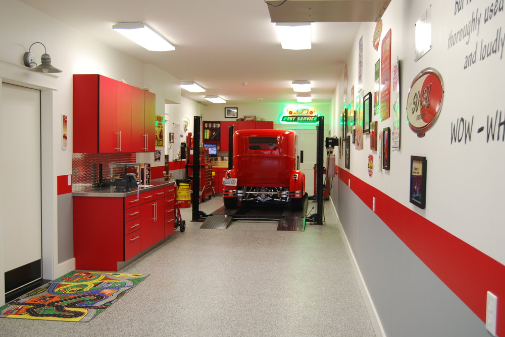 DKF_ INTERIOR _ GARAGE.JPG