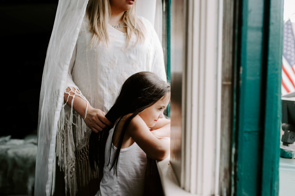 mandy malia in home family session mommy and me portland oregon vancouver washington mother daughter