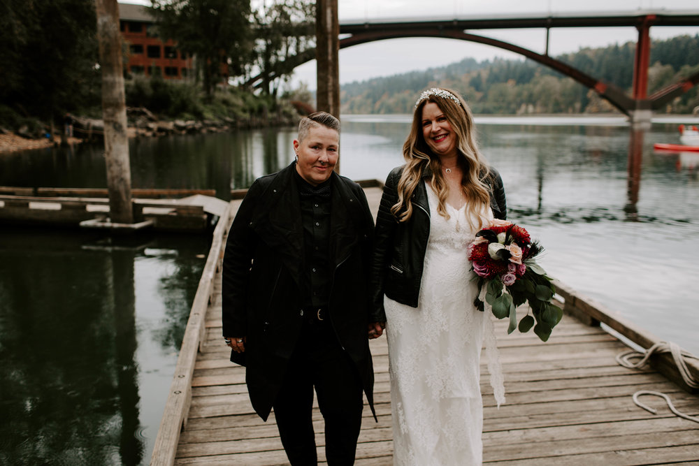 simone kathleen queer elopement oaks pioneer church portland oregon sellwood lgbt wedding photographer pacific northwest gay lesbian fall oaks park waterfront intimate