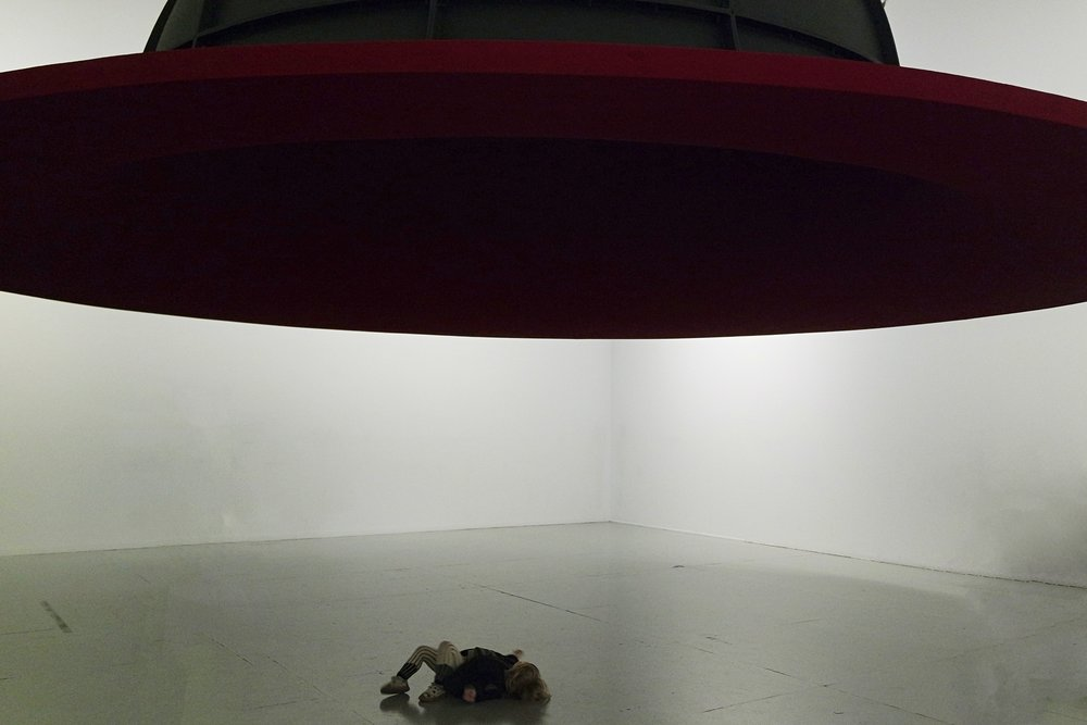 ' At the edge of the world ||' (1998) - Anish Kapoor
