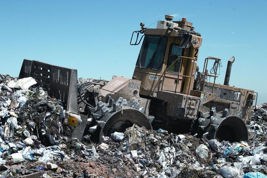 1024px-landfill_compactor_wikipedia_commons.jpg