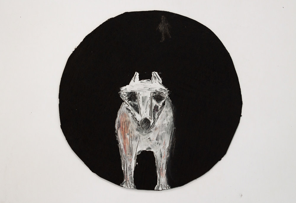 """לילי פישר, זאב לבן, משחות נעליים על קרטון, קוטר 27 ס""""מ, 2018   קרדיט צלם: דלפין פישר"""