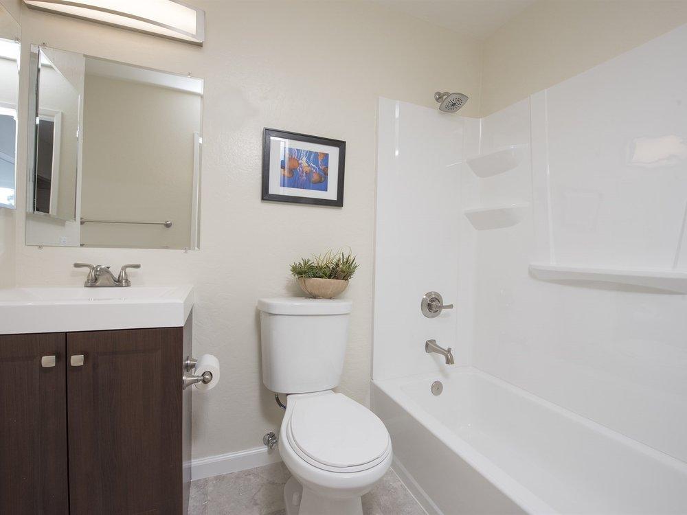 010_Master Bathroom.jpg