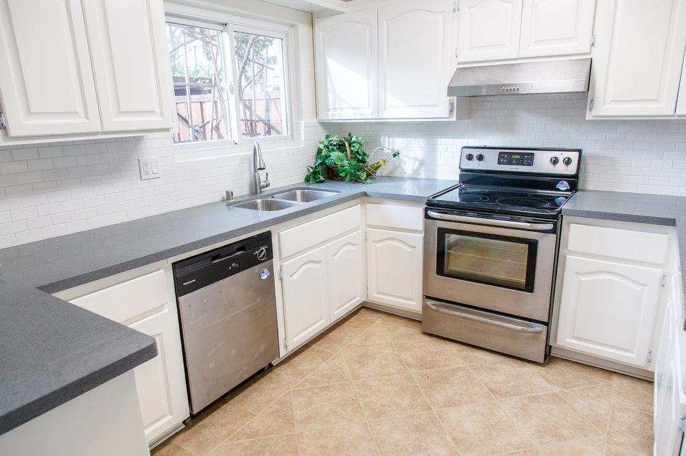 2505 Olivegate Lane Kitchen.jpeg
