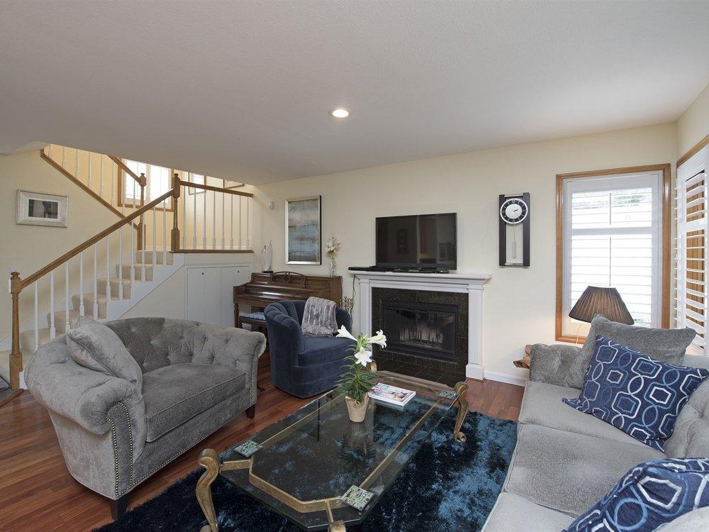 004_Living Room .jpg