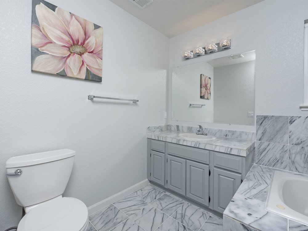 015_Master Bathroom .jpg
