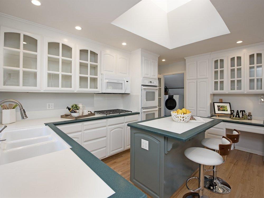 008_Kitchen .jpg