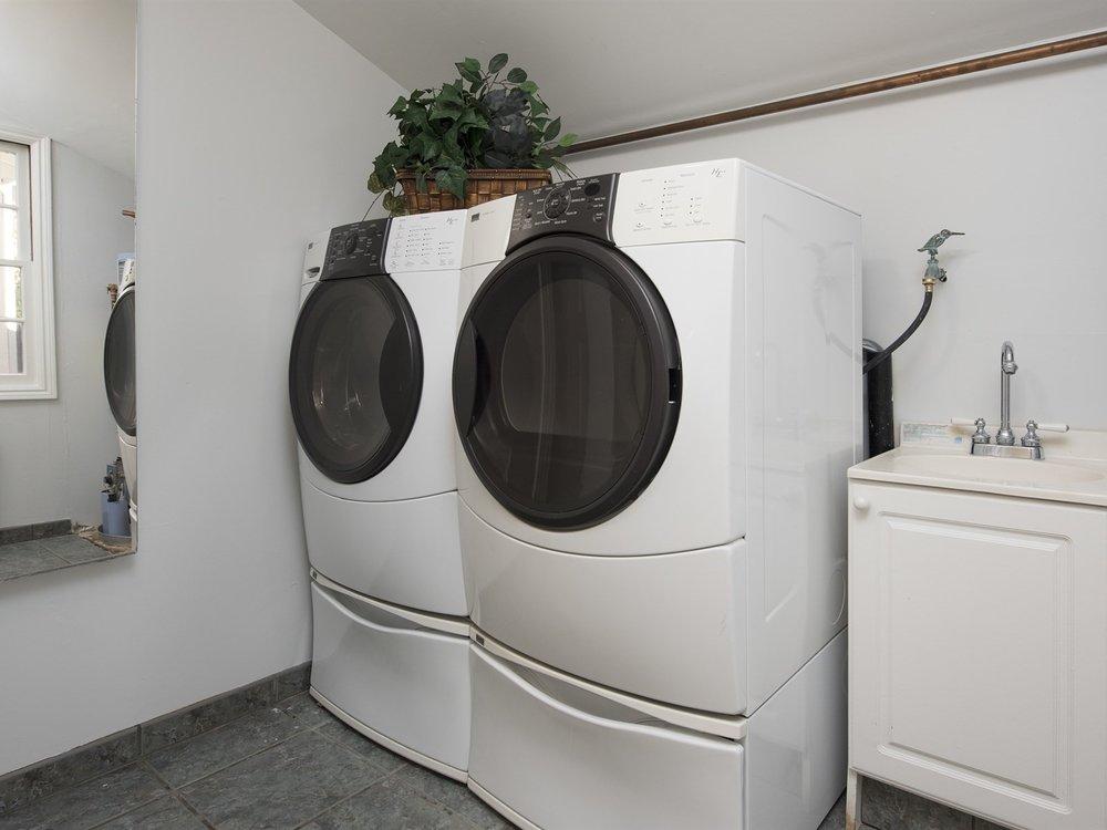 020_Laundry Room.jpg