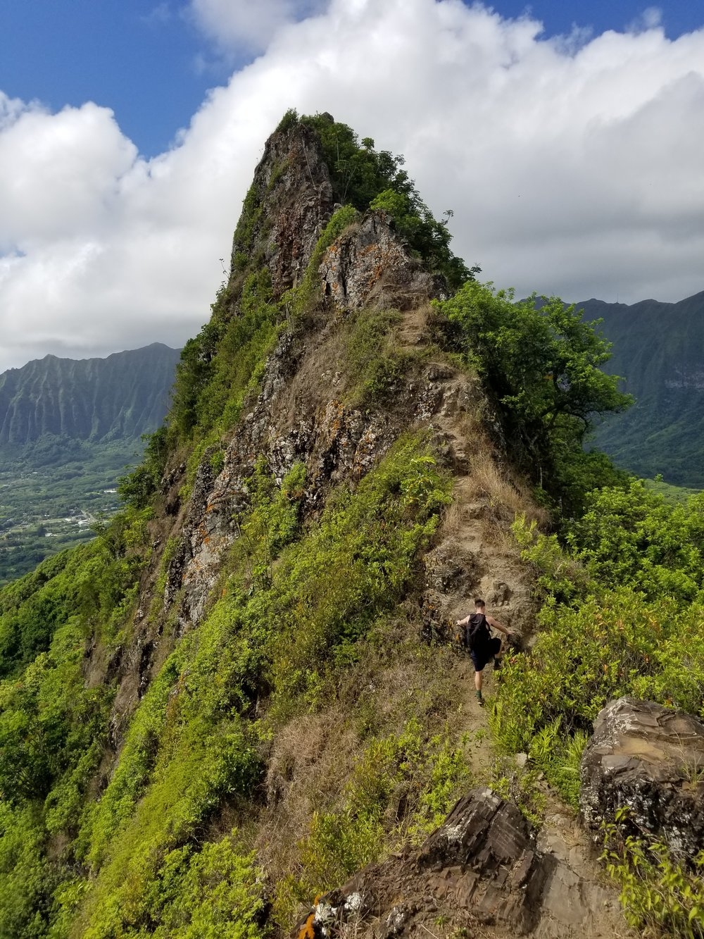third-peak-olomana-trail-best-hikes-in-oahu