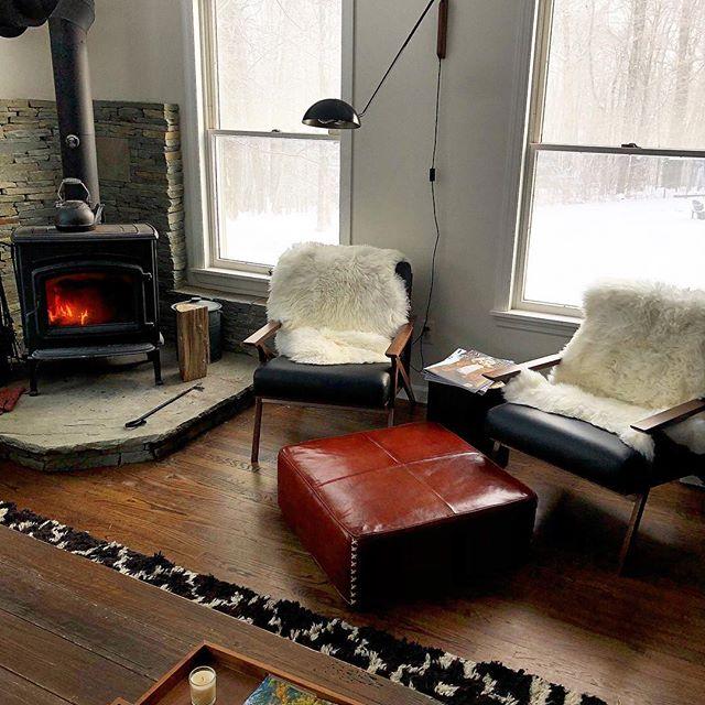 Meet me here, I'll bring the hot chocolate. ☕️🔥 #thehuberthouse #jeffersonvilleny #wintercabin #sullivancatskills #sullivancounty #upstateny