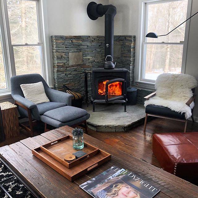 Alternating warmer days and colder days. I guess fire season is not quite totally over yet! 🔥  #jeffersonvilleny  #sullivancatskills  #sullivancounty  #upstateny  #wintercabin  #redcottageweekend