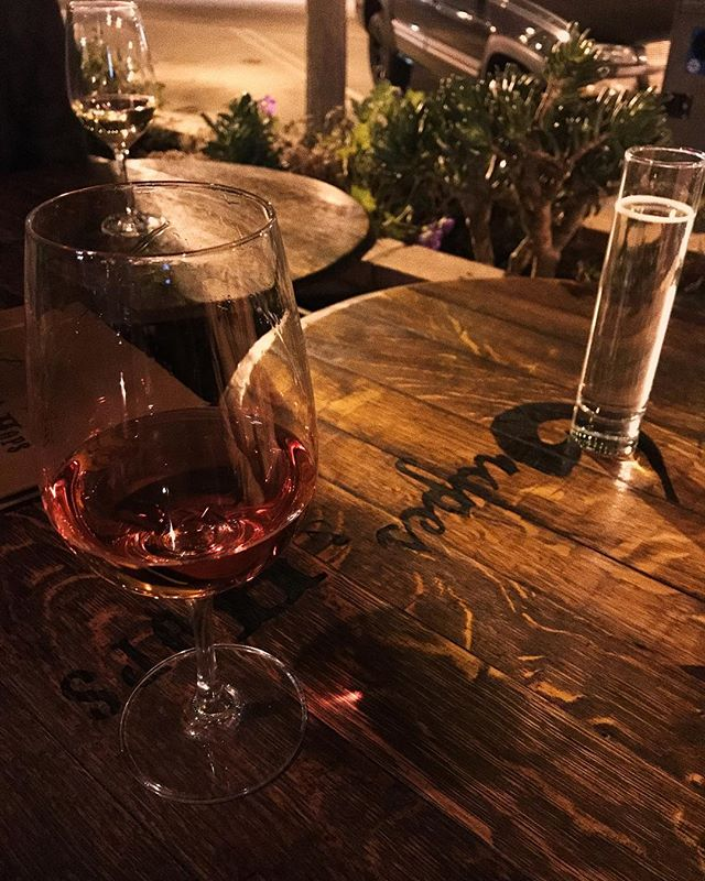 Enjoying Lady Mandrake rosé and good friends at @grapesandhops, Ventura CA. 🍷👍 #webdesign #graphicdesigner #graphicdesign #webdesigner #goodwineandwebdesign #wine #🍷 #vino #grapesandhops #vines #vineyard #vineyards