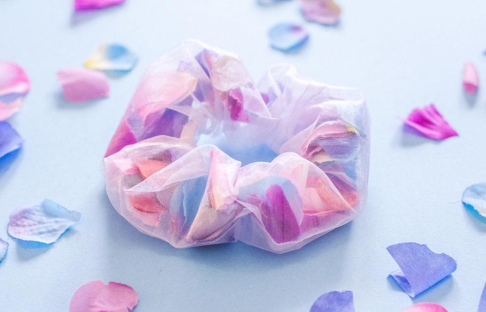 DIY Floral Scrunchie 02.jpg
