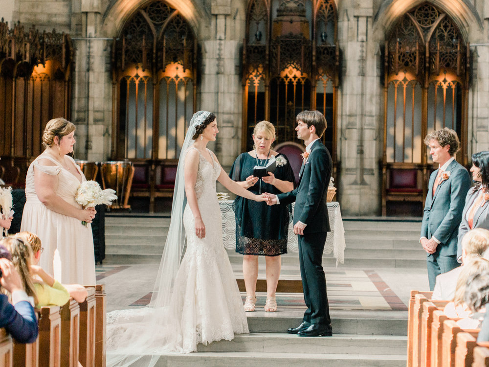 Dorothy_Louise_Photography_University_of_Chicago_Chapel_Wedding-25.jpg