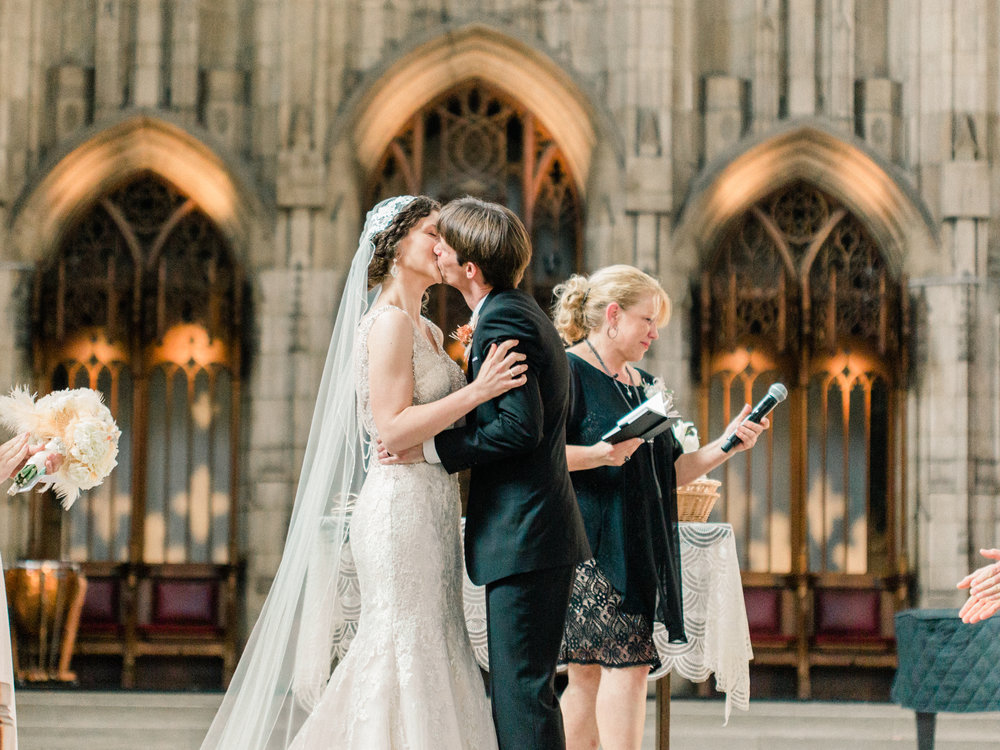 Dorothy_Louise_Photography_University_of_Chicago_Chapel_Wedding-27.jpg