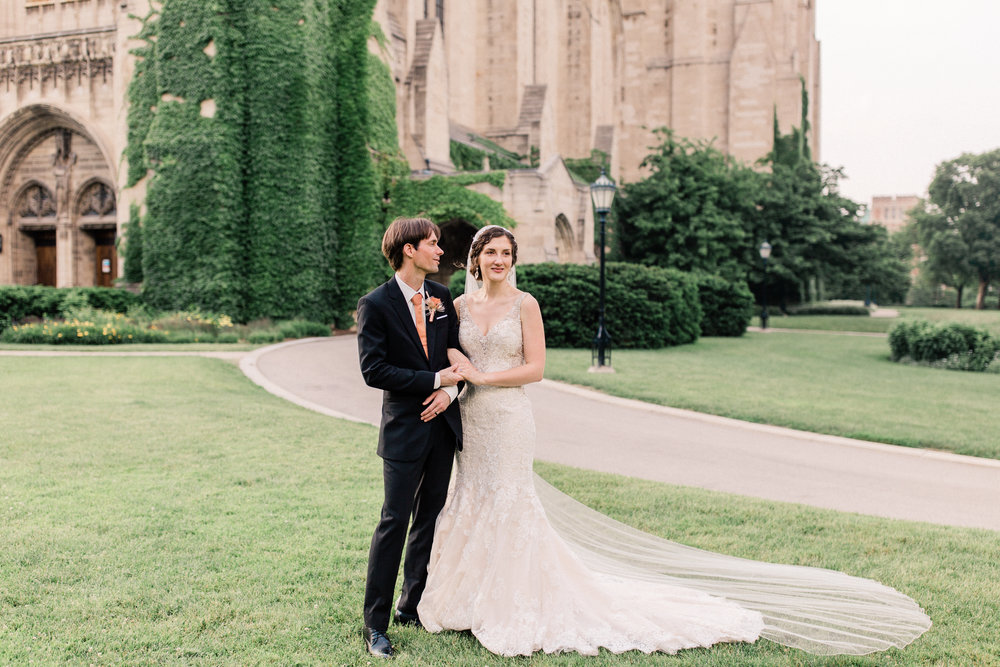 Dorothy_Louise_Photography_University_of_Chicago_Chapel_Wedding-71.jpg